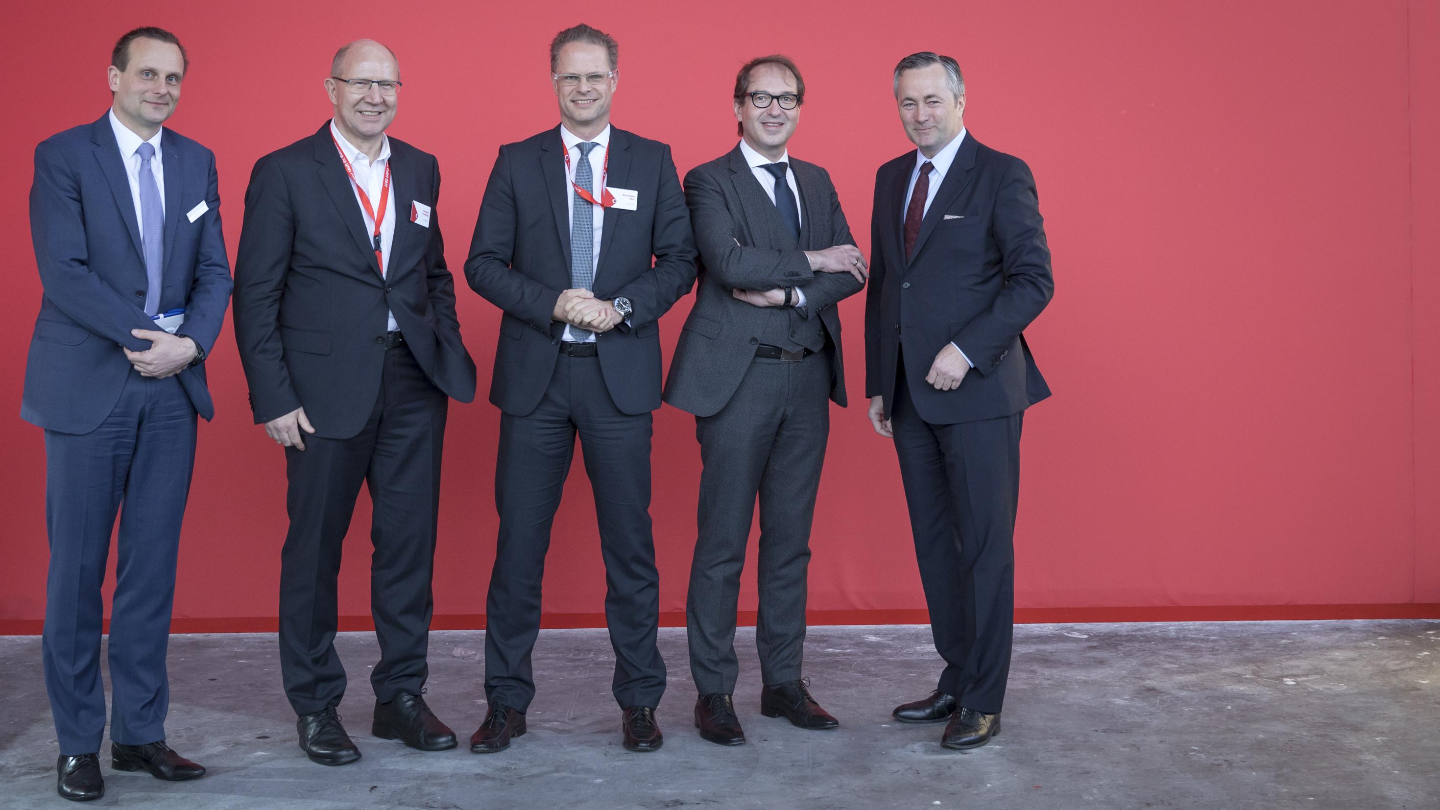 Alexander Dobrindt (Bundesminister für Verkehr und digitale Infrastruktur) besucht am 20/03/2017 Vodafone auf der Computermesse CeBIT in Hannover.